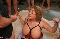 Curvy Claire. Claire's Bukkake Jizz Fun Pt4 Free Pic 6