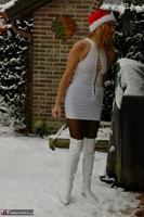 KyrasNylons. Kyra In The Snow Free Pic 1