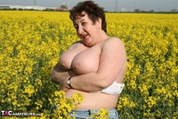 Kinky Carol. Outsiude In The Oil Seed Rape Pt1 Free Pic 18