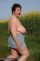 Kinky Carol. Outsiude In The Oil Seed Rape Pt2 Free Pic 13