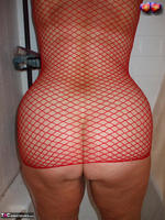 Busty Bliss. Busty Bliss Gets Red Net Body Stocking Soapy & Sudzy Free Pic 1