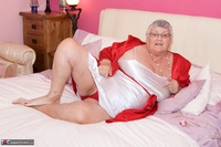 Dirty Doctor. Grandma Libby On The Bed Free Pic 1