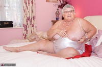 Dirty Doctor. Grandma Libby On The Bed Free Pic 3