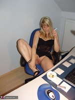 SweetSusi. Smoking In The Office Free Pic 4