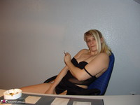 SweetSusi. Smoking In The Office Free Pic 5
