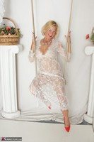 Molly MILF. Molly On The Swing Free Pic 15