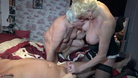 . Two Fans Play With Dimonty Free Pic 7