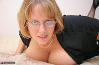 Curvy Claire. Fishnets On The Bed Pt2 Free Pic 5