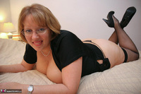 Curvy Claire. Fishnets On The Bed Pt2 Free Pic 7