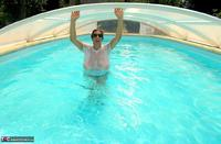 LuLu Lush. Wet T-Shirt In The Pool Free Pic 1