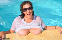 LuLu Lush. Wet T-Shirt In The Pool Free Pic 5