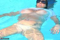 LuLu Lush. Wet T-Shirt In The Pool Free Pic 20