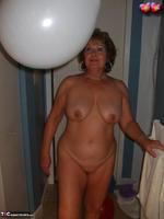 Busty Bliss. Big Boob Balloons & Bath Free Pic 11
