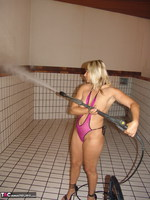 Sweet Susi. Pool Cleaning Free Pic 8