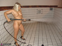 Sweet Susi. Pool Cleaning Free Pic 11