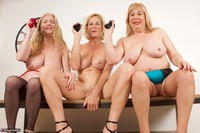 Molly MILF. Three Girls On The Table Free Pic 2
