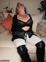 . Black Bra Masturbation Free Pic 6