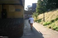 Lexie Cummings. Lexie Flashes In Town Free Pic 1