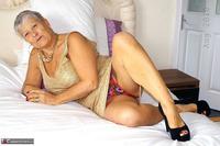 . Gold Dress Free Pic 6