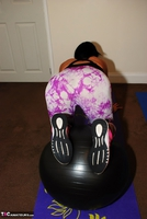 Raunchy Raven. Keeping fit and flirty Free Pic 3