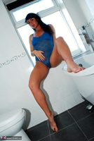 Raunchy Raven. Raven the bathroom beauty Free Pic 9