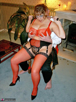 Curvy Claire. Fangs For The Mamories Pt1 Free Pic 10
