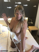 Sweet Susi. In The Hotel Room Free Pic 7