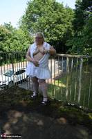 Lexie Cummings. Flashing On The Bridge Free Pic 1