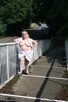 Lexie Cummings. Flashing On The Bridge Free Pic 8