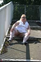 Lexie Cummings. Flashing On The Bridge Free Pic 13