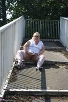 Lexie Cummings. Flashing On The Bridge Free Pic 14