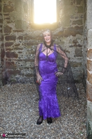 . Witch In The Ruins Free Pic 1