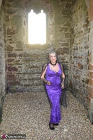 . Witch In The Ruins Free Pic 2