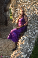 . Witch In The Ruins Free Pic 4