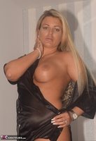 Phillipas Ladies. Dolly Shows Off Her Large Boobs Free Pic 16