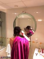 Diana Ananta. Evening Toilet Free Pic 2