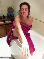 Diana Ananta. Evening Toilet Free Pic 17