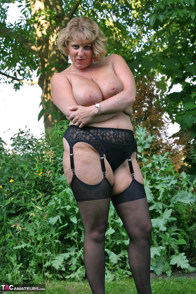 Little Black Dress Garden Strip Pt2 Free Pic 4 ...