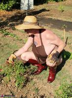 Mary Bitch. In My Garden In Rubber Boots Free Pic 2