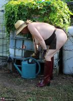 Mary Bitch. In My Garden In Rubber Boots Free Pic 13