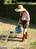 Mary Bitch. In My Garden In Rubber Boots Free Pic 15