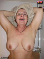 Busty Bliss. Cun & Lets Get Squeaky Clean Together Free Pic 2