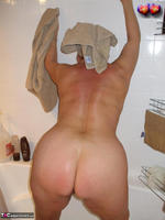 Busty Bliss. Cun & Lets Get Squeaky Clean Together Free Pic 4