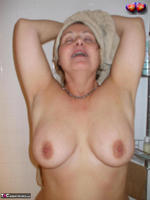 Busty Bliss. Cun & Lets Get Squeaky Clean Together Free Pic 8