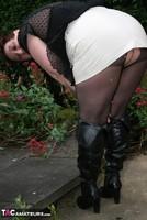 Kinky Carol. Black Boots & White Mini Pt1 Free Pic 12