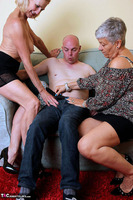 . Savana, Molly & Jonny Free Pic 3
