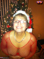 Busty Bliss. Happy Holidays From Busty Clause Free Pic 2