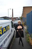 Barby Slut. Sex Shop Flash Free Pic 2