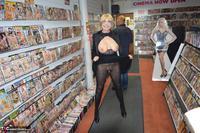 Barby Slut. Sex Shop Flash Free Pic 10