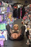 Barby Slut. Sex Shop Flash Free Pic 19